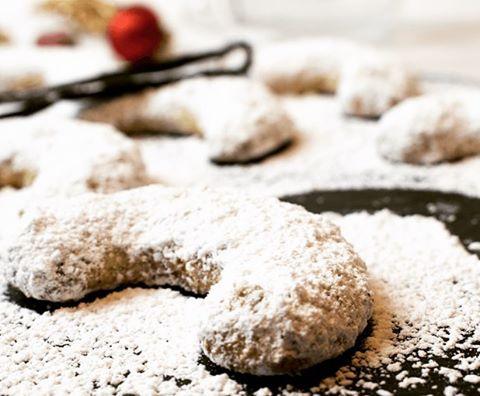 Vanilla crescents with tonka bean Visit my blog for recipehellip