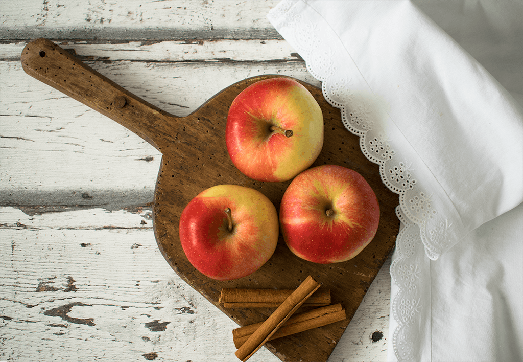Äpfel und Zimt - die Basis für die Zimtschnecken mit Apfel