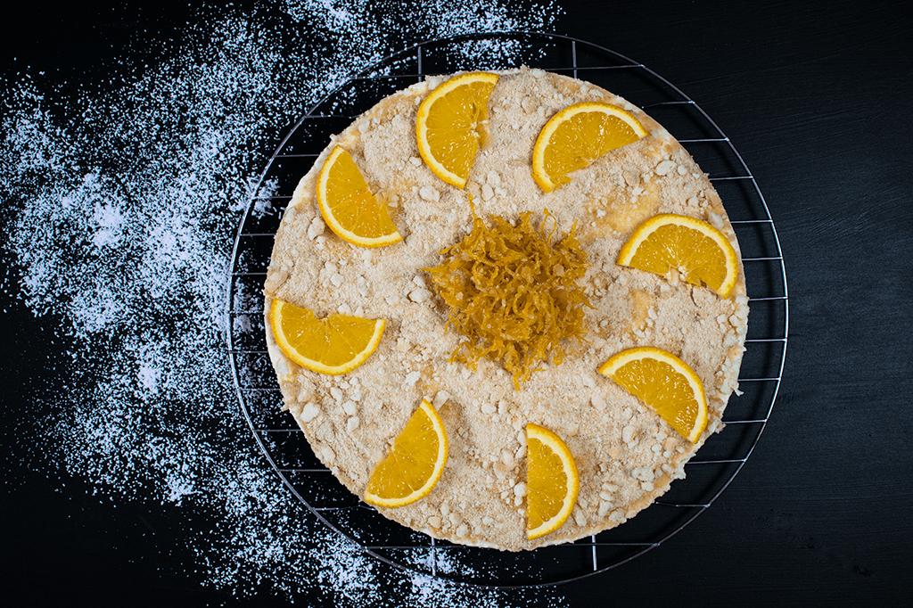 Zitronentorte mit kandierten Orangen