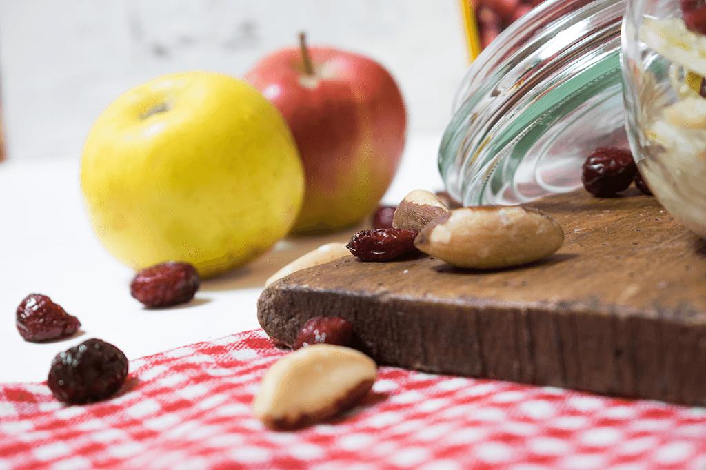 Fenchelsalat mit Apfel, Cranberries und Paranüssen