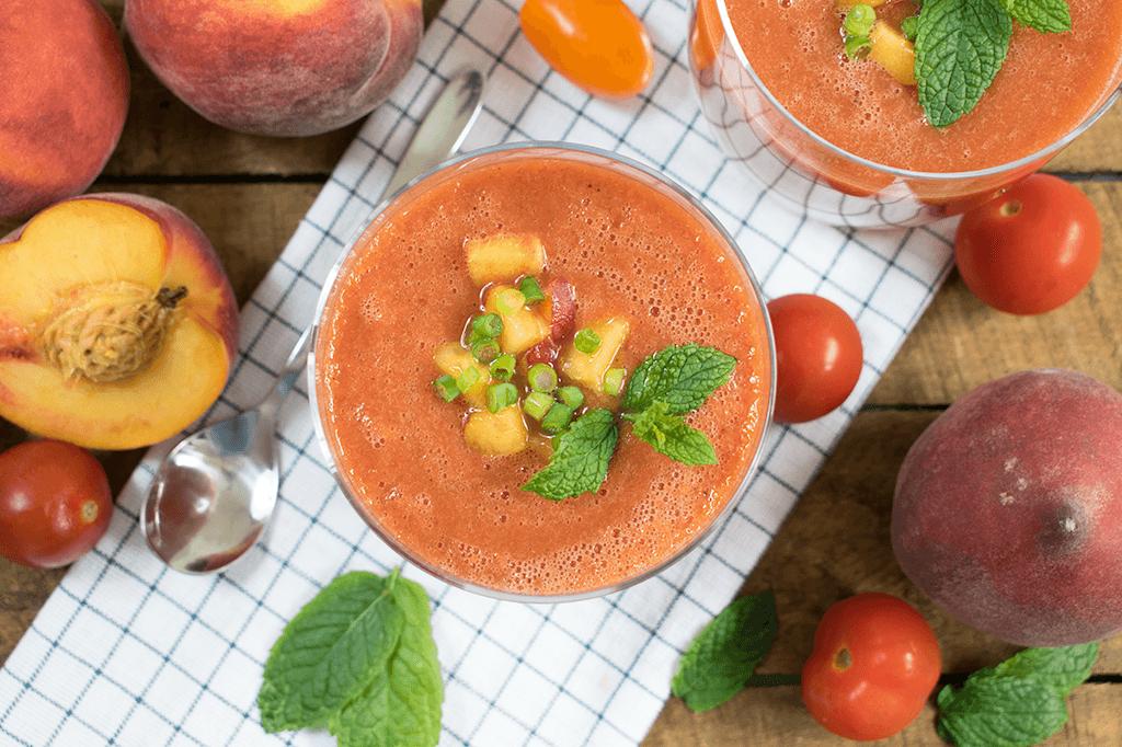 Pfirsich Gazpacho mit Tomaten