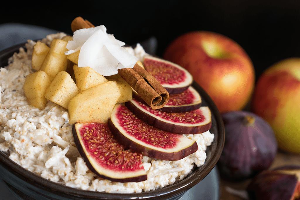 Overnight-Oats mit Apfelkompott und Feigen