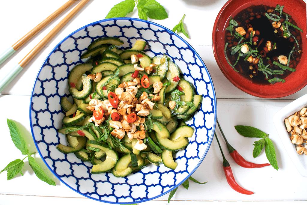 Thai Gurkensalat, asiatischer Gurkensalat, scharfer Gurkensalat, Gurkensalat mit Sojasoße